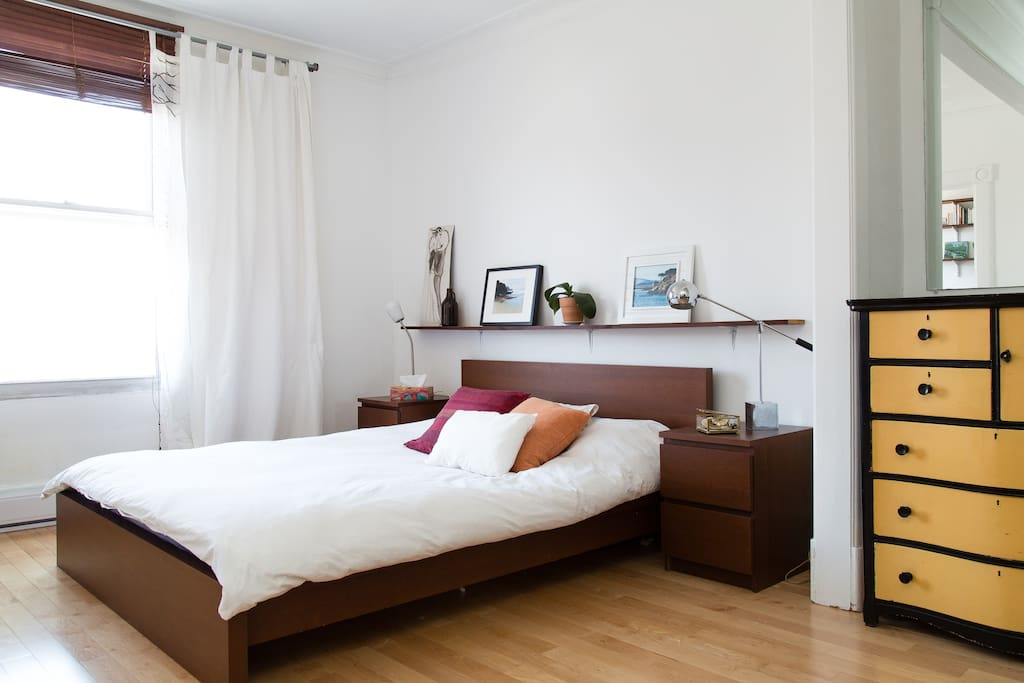Bedroom with a queen size bed.