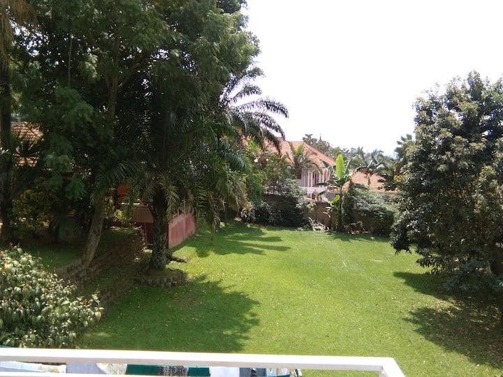 Kizungu, Makindye poolside 30 USD per room/night