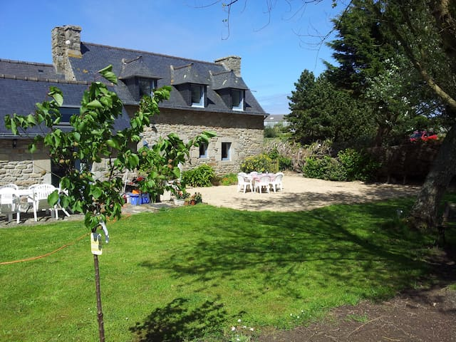 Cozy Breton Farmhouse near Meneham - Kerlouan