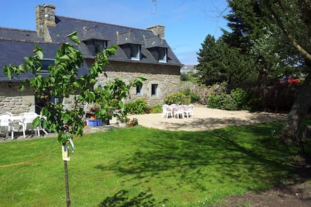 Cozy Breton Farmhouse near Meneham - Kerlouan - 一軒家