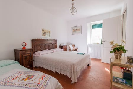 B&B ANGELA stanza quadrupla - Clusone - Bed & Breakfast