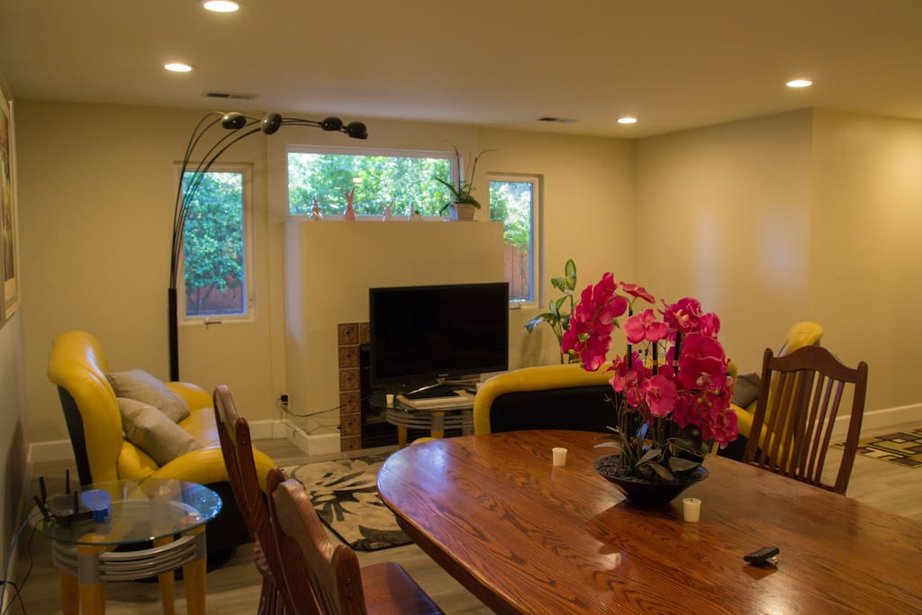 Living Room (LR)
