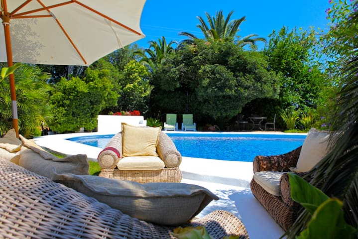 ROMANTIC OASIS IN MAJORCA - Santa Maria del Camí - Bed & Breakfast