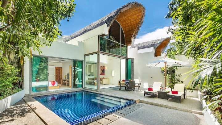 MODERN POOL BEACH VILLA I | Beach-Pool-Freedom