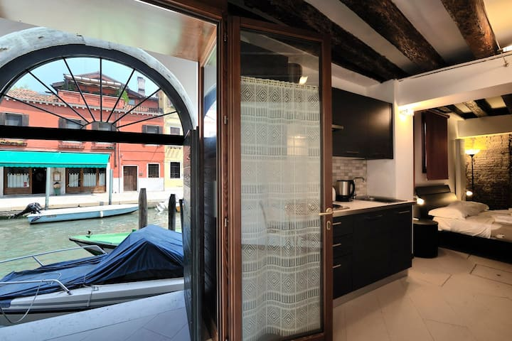 Corallo Holiday You'll love the patio on the canal - Venice - Apartmen