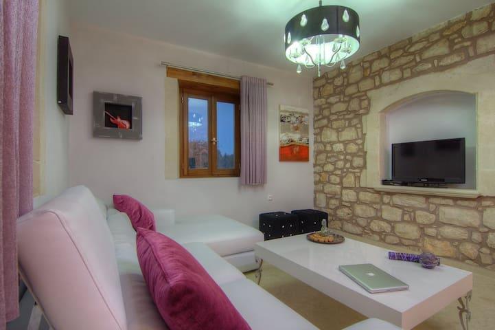 departamentos casas y villas con piscina en tzannakiana airbnb crete region grecia - Fantastisch Design Badevrelse Med Natursten