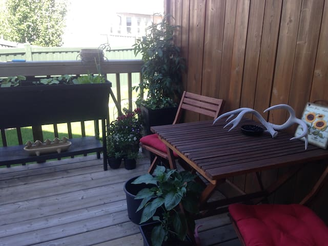 deck with sitting area