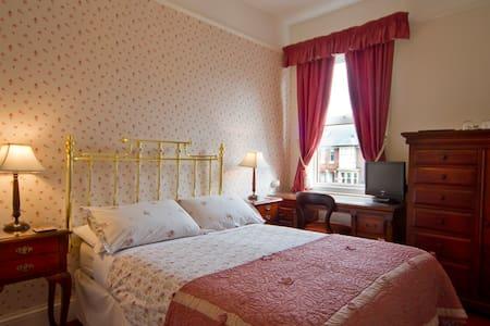 Virginia Lodge Double En-suite (1)