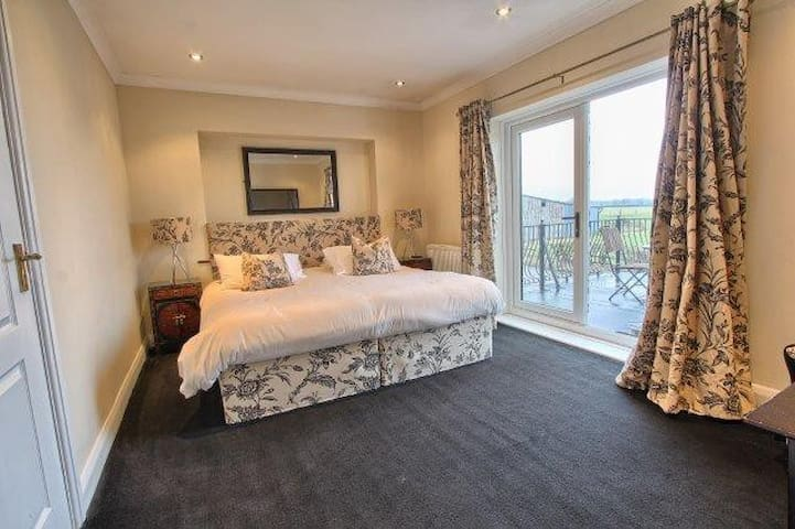 Rosedene House Bed and Breakfast - Stockton-on-Tees - Bed & Breakfast