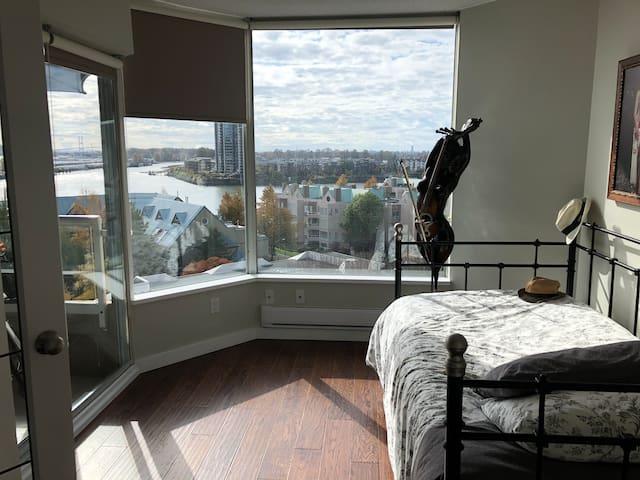 1 bedroom in new west