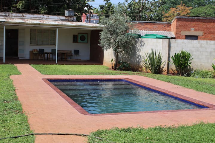 Bulawayo Guest House - Self Catering.