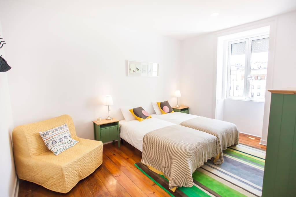 nouveau appartement bien situ et accueillant appartements louer lisboa lisboa portugal. Black Bedroom Furniture Sets. Home Design Ideas