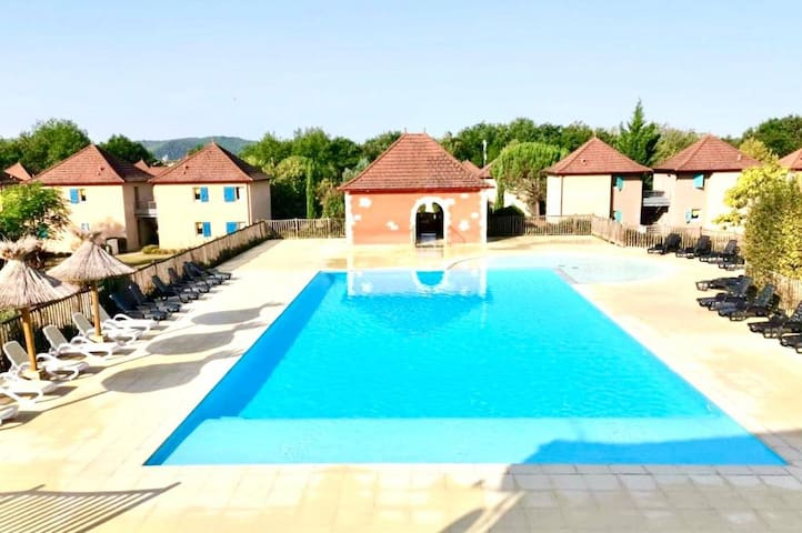 appartement a Prayssac dans le Lot avec piscine