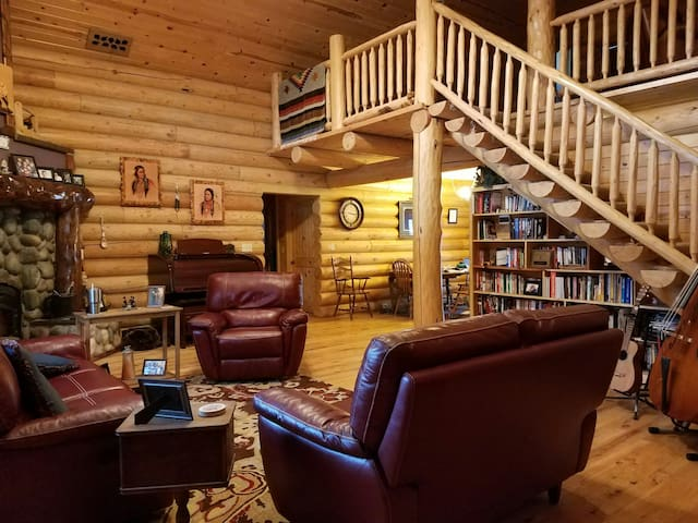 Log cabin country living - Rigby