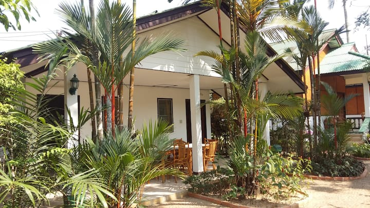 2 bedroom family bungalow with pool