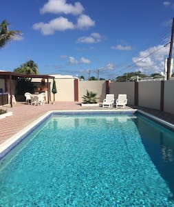 Vacation Home! Big Pool Area! Beaches&Center Near! - Oranjestad - Dom