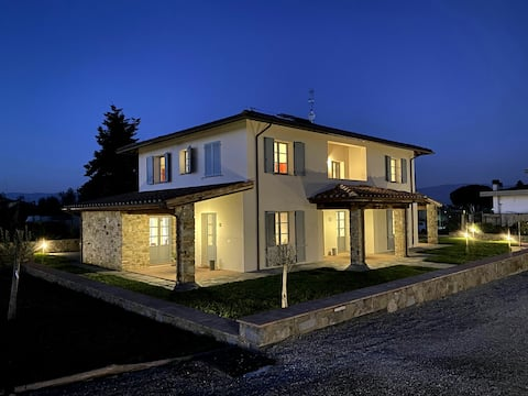 Splendida villa immersa nella campagna toscana