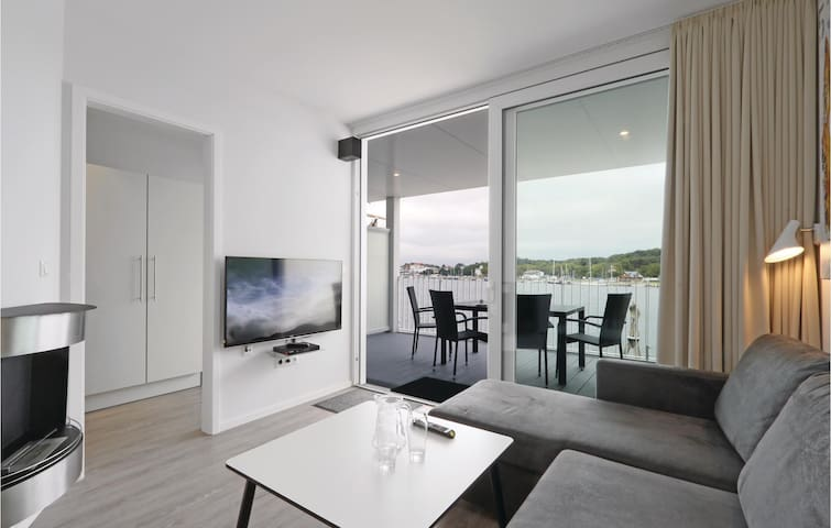Holiday apartment with 1 bedroom on 56m² in Travemünde Waterfront