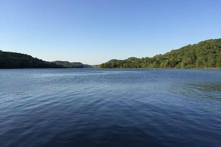 Relax at the Lake House at Cordell Hull - Hus