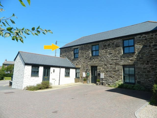 Lovely converted Barn Top Floor Apartment
