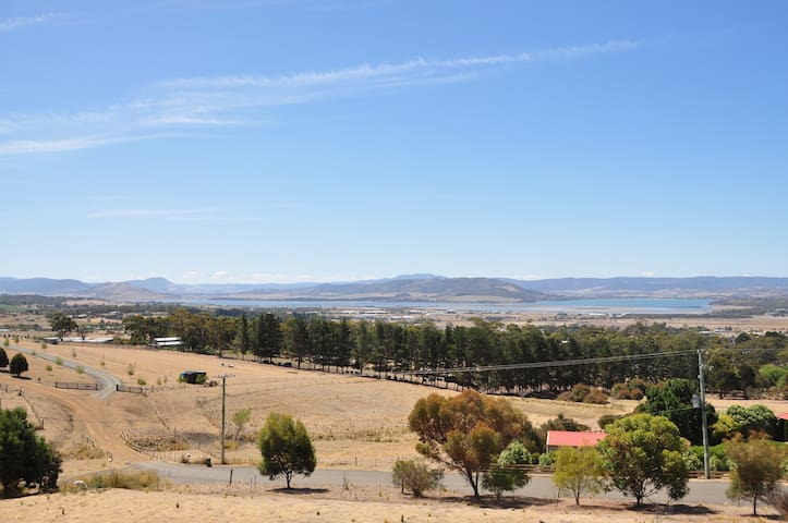 Relax & Enjoy the Panoramic View R2 - Mount Rumney