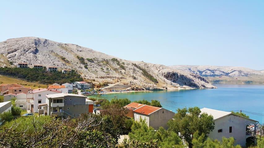 App. + terrace & parking 1 min from the sea