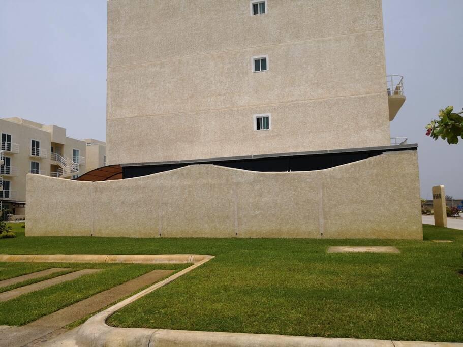 """Vista lateral del departamento """"La Cabaña"""""""