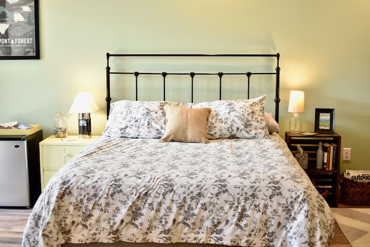 Your comfortable queen size bed