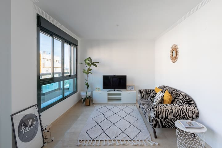 ☀ Stylish NEW 3BR+A/C 1,5 kms to the beach /WIFI ☀