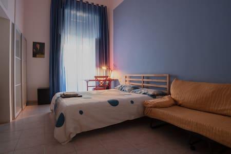 Stanza matrimoniale a Napoli Centro Storico