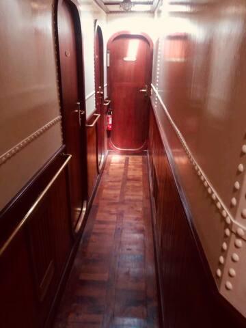 La coursive desservant les chambres
