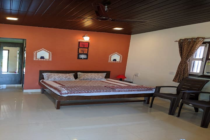 Cottages Single Room (Mango Tree Farm)
