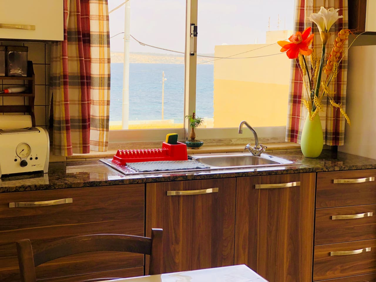 Bright and fresh corner sea view apartment