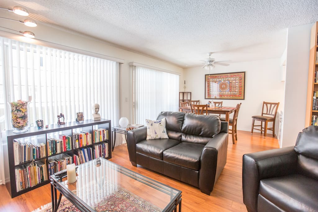 Big light airy lovely condo!