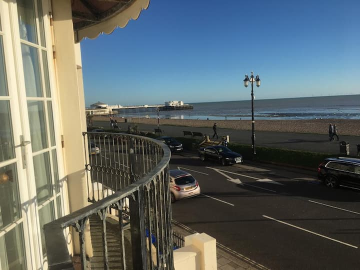 Beautiful double room in seafront apartment