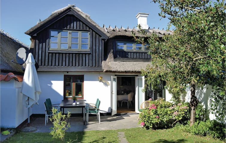 Semi-Detached with 2 bedrooms on 95m² in Gilleleje