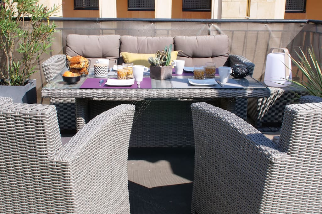 Quiet and well equipped terrace