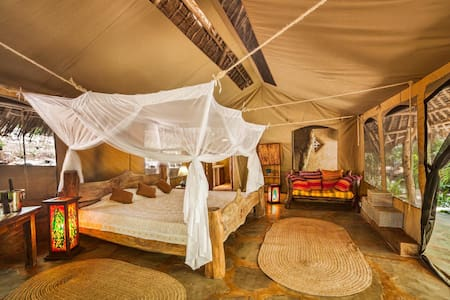 Tiwi Honeymoon Tent - Tiwi