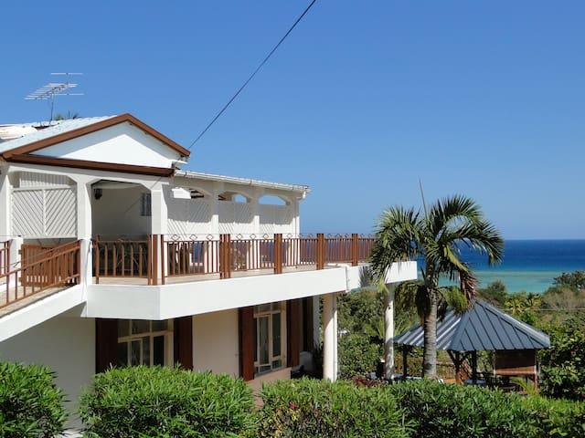 The Lodge:large apt, stunning views - Rivière Noire (La Preneuse) - Appartement