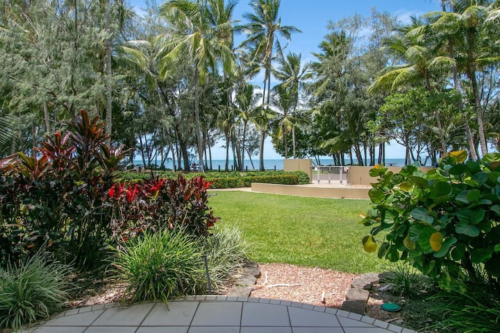 Palm Cove Oceanview Resort Studio Apartment