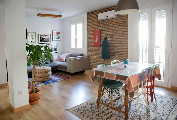 Lovely artist home (TV+Netflix) VFT/SE/02289