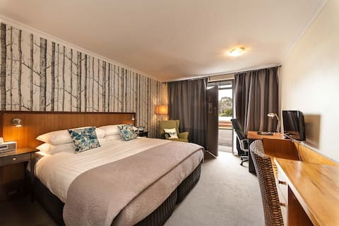 The Waterfront Wynyard Deluxe Room