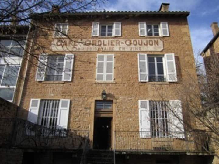 Beaujolais region 3story town house