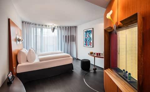 25qm Zimmer im Kunst & Design Hotel
