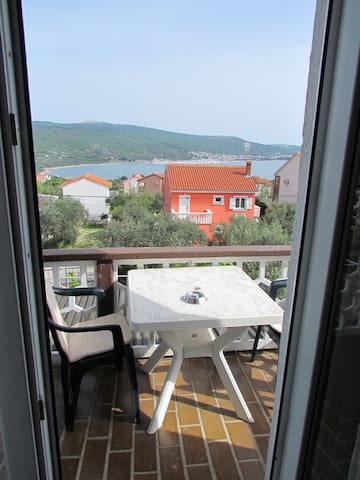 Studio with panoramic sea view! - Kornić - House