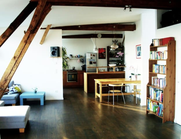 110 m2 Loft with view over Berlin - Berlin - Loft