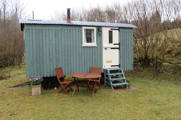 Cosy Shepherd's Hut in the Wonderful Wilderness - Foel - Baraka