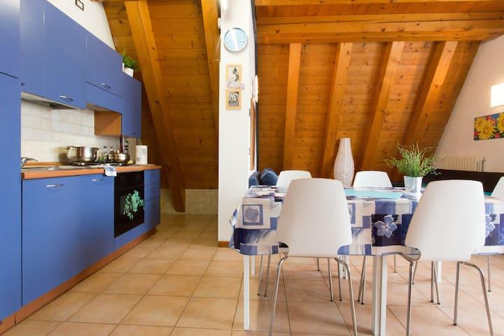 CONVENIENT PENTHOUSE FOR VENICE.   - Mestre - Apartment