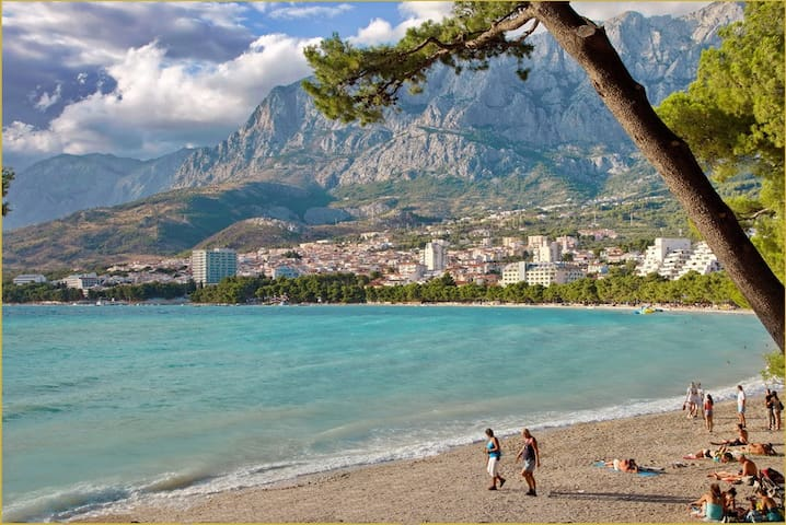 Studio by the beach & city centre 2 - Makarska - Huis