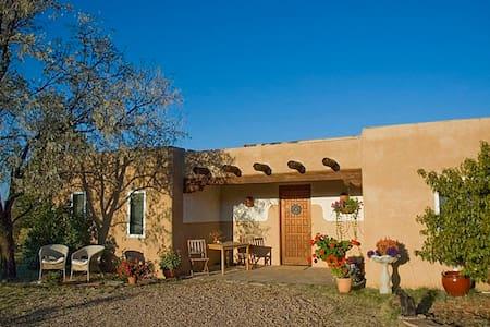 Beautiful, serene country home. - Santa Fe